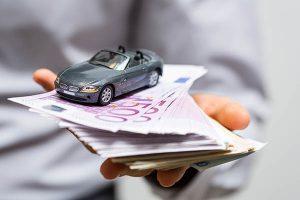 Ob Autokauf oder Leasing: Vergleichen lohnt sich! Bild: © Adobe Stock